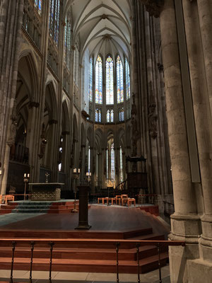 ケルン大聖堂の中
