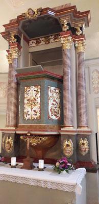 restaurierter Altar