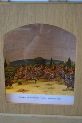 Schlacht bei Brundisium 71 v. Chr.,  Spartakus fällt