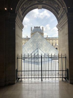 Private tour Louvre museum Pei pyramid