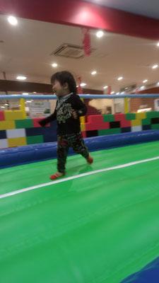 弟が走る写真