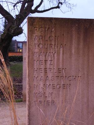 Tongeren - Billenniummonument - achterkant reliëfplaat.