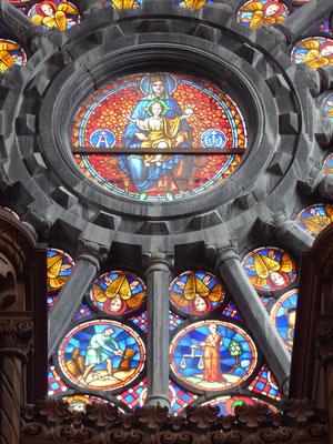 Doornik - Onze-Lieve-Vrouwekathedraal. Een groet aan de Madonna