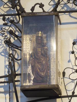 Nijmegen Petrus Canisiuskerk Molenstraat - Genadebeeld in de Mariakapel