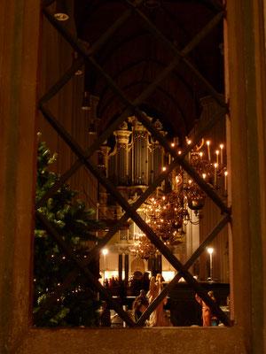Stevenskerk - graftombe, preekstoel en orgel