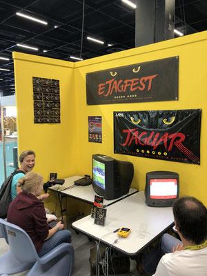 In Sonderfolge #12 des Männerquatsch Podcast berichten wir aus der Retro Area von der Gamescom 2019. Hier im Bild der Stand vom Männerquatsch Podcast und dem ejagfest.
