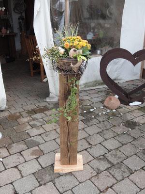 im Geschäft ohne Blumenkorb 68,00 Euro