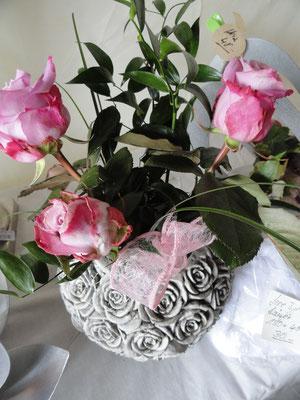 Steinrosenkugel, toll als Vase oder zu bepflanzen