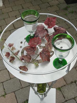 """"""" Weintisch in silber brilliant mit Flaschenhalter. 155,00 Euro"""