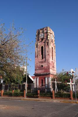 Das Wahrzeichen von Santa Cruz - der alte Kirchenturm
