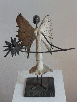 """Friedensbringerin"", 30 cm"