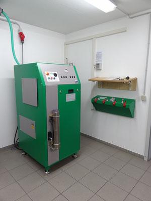 Kompressor zum Füllen der Atemluftflaschen