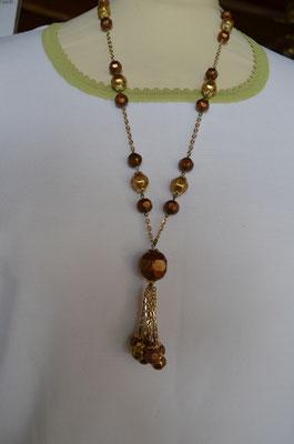 Y-Kette mit Kunststoff Perlen in verschiedenen Brauntönen und dazwischen mit Goldfarbigen Kettchen. Etwa 1960er/1970er Jahre. Preis: 4,50 €