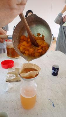 石田紀佳さんによる「お梅さん」の作り方、季節感たっぷりの手仕事。