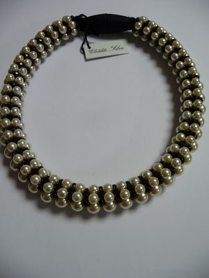 UNGER, Italy, pearl chocker, €128