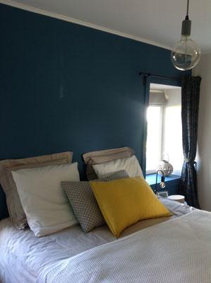 Une chambre bleue Farrow & Ball.