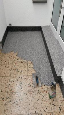 Beschichtung eines Fußbodens mit einem Steinteppich - Mario Bogisch Bausysteme