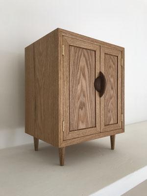 お仏壇「想い」。タモの杢が美しい作品です。/八ヶ岳の家具工房ZEROSSOのお仏壇