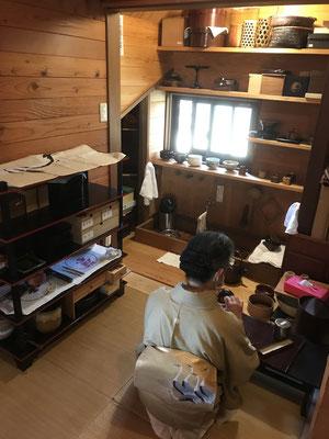 八ヶ岳の裏千家茶道教室「雪丸庵」。八ヶ岳の家具工房ZEROSSOの創作家具、オリジナルの茶道具。