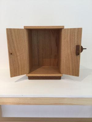 小さなお仏壇、「お厨子」。八ヶ岳の家具工房ZEROSSOのお仏壇シリーズ。