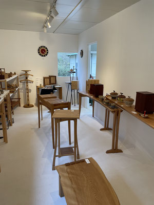 Gallery ZEROSSO 家具工房ZEROSSOのアトリエに併設するギャラリーです。