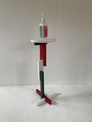 アルコール消毒液用のスタンド。八ヶ岳の家具工房ZEROSSOの家具、アート作品、インテリア製品、オーダーメイド家具、コンパクトでモダンなお仏壇、オリジナルの茶道具。