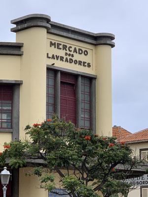 Ganz nett zum durchbummeln auch der große Wochenmarkt in Funchal ...