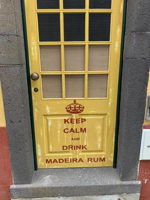 ... eine Flasche Madeira Rum muss also auch an Bord!!!