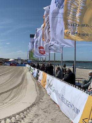 Aber dieses Wochenende ist in Warnemünde Beach-Polo angesagt! Das muss ich mir doch mal anschauen!