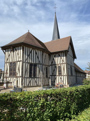 L'église à pans de bois à Outines