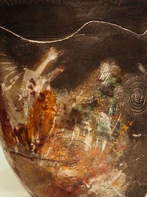 "Urne "" schwarzer Opal"", Detail"