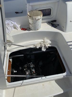 Um die Motoren möglichst sauber am Laufen zu halten, haben beide Motoren einen SEPAR-FIlter erhalten, der Wasser und Schmutz aus dem Diesel herauszentrifugiert!