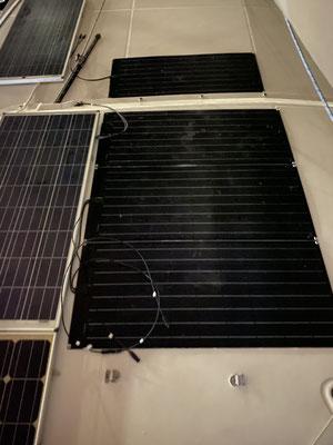 ... und neue Solarpaneele sind auch auf dem Dach ... in Summe nun 850 Watt ...