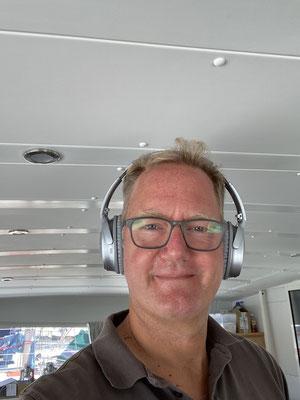 """Für unterwegs habe ich mir noch ein paar Bose Noise Cancellation Headphones, da kann man dann auch bei ordentlich Wind mal für eine Zeit den """"Lärm"""" ausschalten und in Ruhe Musik oder ein Hörbuch hören ... bin begeistert von den Kopfhöhrern!"""