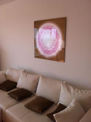 Lebendiger Meisterkristall in Privaträumen, Echtfoto hinter Acylglas, 85 x 85 cm. © Susanne Barth