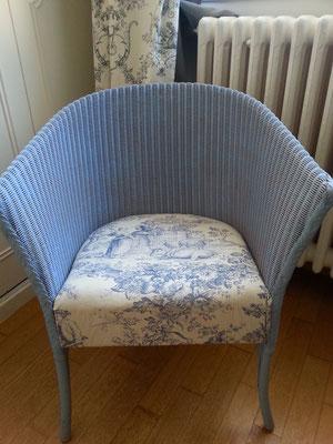 Toile-dJouy Sitzkissen auf einem Loom Chair
