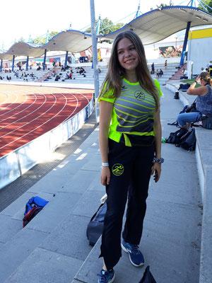 Alina nach der erfolgreichen Qualifikation für das 1.500m-Finale - Foto: privat