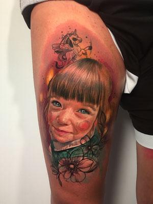 tatuaje retrato niña
