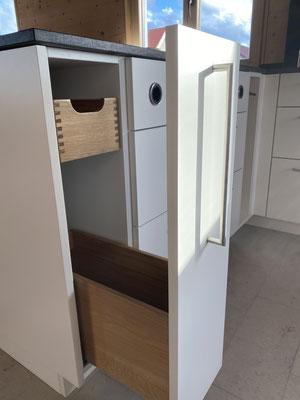 Auszug – Detail aus der Einbauküche