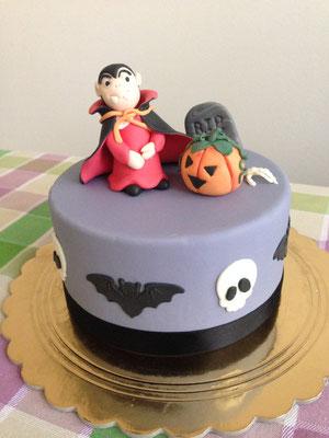 Torta Halloween in pasta di zucchero