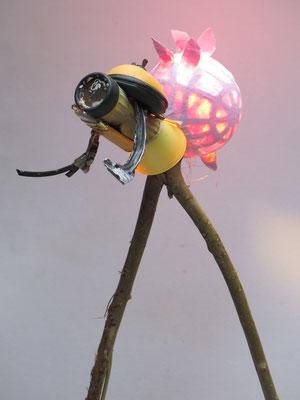 De Zoeker lichtobject (staand) 52x65x43cm  375,-