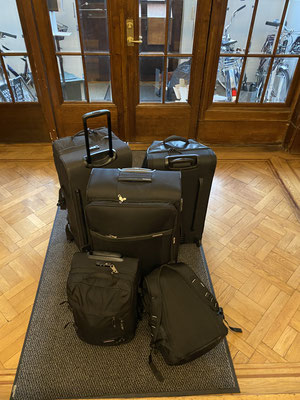 Tims Koffer sind gepackt, jetzt heißt es Abschied nehmen
