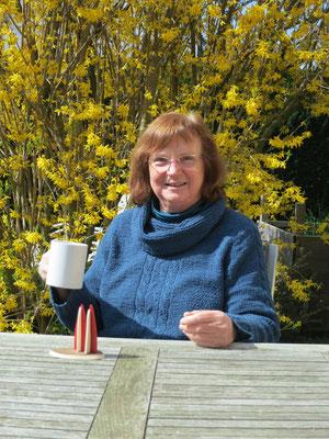 Elfriede grüßt aus dem Frühjahrsurlaub und schickt uns ein paar hübsch drapierte Dömchen.