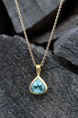 Aquamarinanhänger 900 Gold