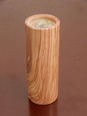 "Kaleidoskop ""Glasperlen"",     Ölbaum,     ca. 6 x 15 cm,     CHF 40.-"