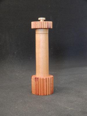 Pfeffer/Stahl,   Kirschbaum,   ca. 5,5 x 19,5 cm,   CHF 95.-,   Lieferbar