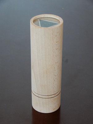 """Kaleidoskop """"offen"""",     Buchenholz,     ca. 5 x 15 cm,     CHF 40.-     Lieferbar"""