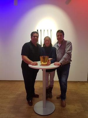 Geistheiler Jesus Lopez, Kristallklangschalenexpertin Kirsten Schäfer und Hypnotiseur Manfred Schäfer, von links nach rechts