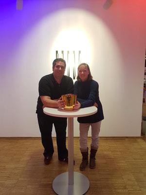Geistheiler Jesus Lopez und Kristallklangschalenexpertin Kirsten Schäfer