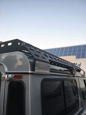 Rhino Rack Dachträger Montage bei Schatzmeister 4x4